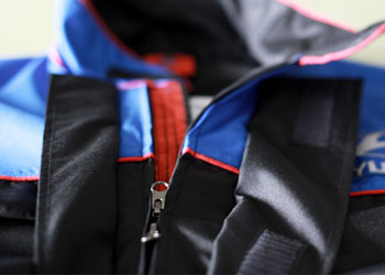 Waterproof zip with 2 riders, double flap